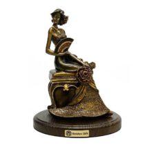 مجسمه گلدن گیفت طرح زن گلابتون کد 441