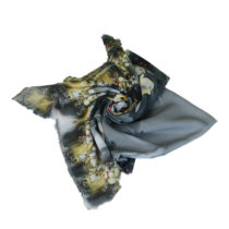 روسری طرح گل تیره